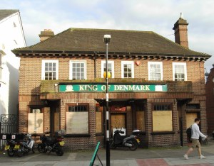 King of Denmark Pub on Ridgway, Wimbledon Village, May 2009