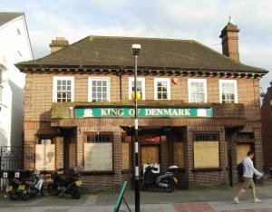 King of Denmark Pub on Ridgway, Wimbledon Village, May 2009